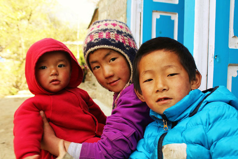 nepali kids Everest Base Camp trek