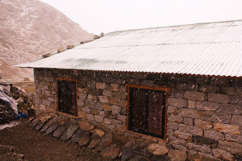snowfall Everest Base Camp trek