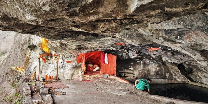 Dhak Bahiri cave