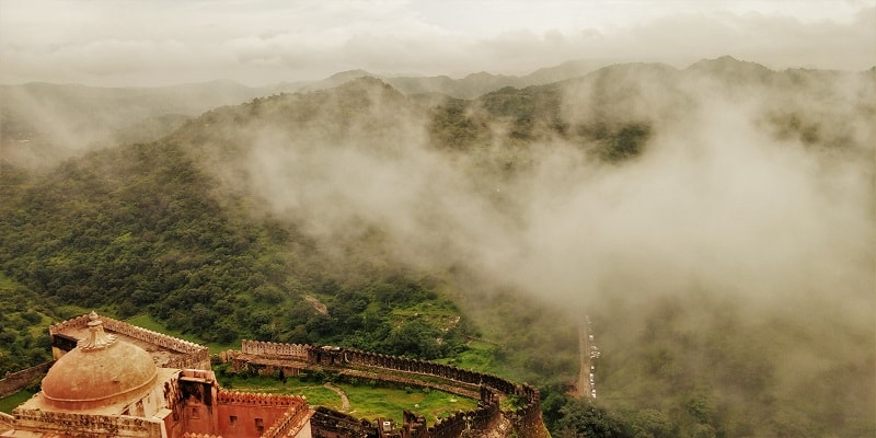 Kumbhalgarh Fort Surrounded with clouds