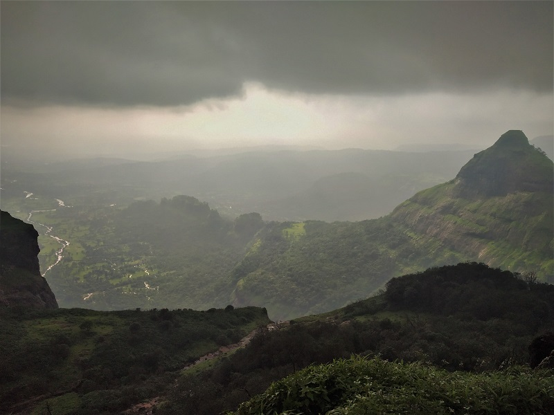 Lonavala - Places to visit near Mumbai Pune in monsoon
