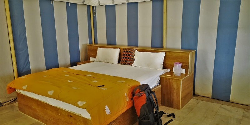 Sunrise desert tent room Jaisalmer