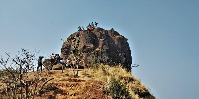 The last rocky patch to reach Kalavantin Durg top