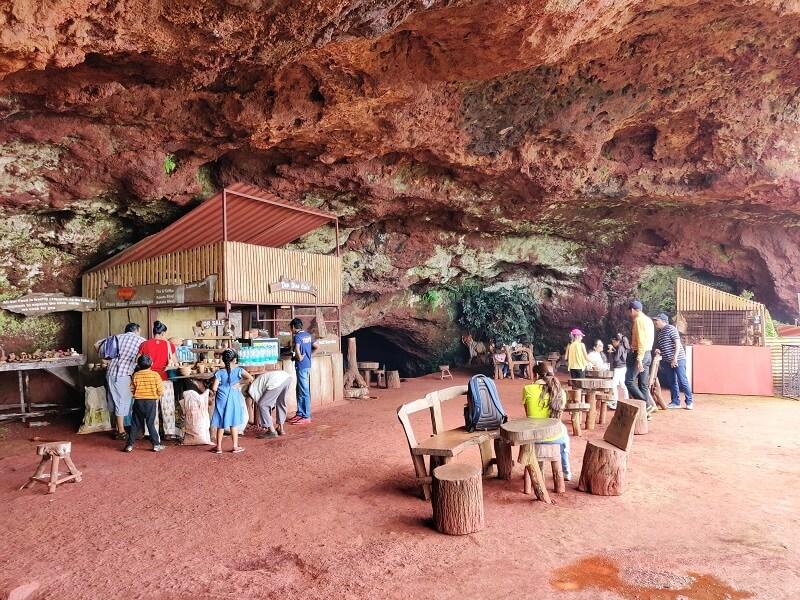 Tiger's cave at table land Panchgani