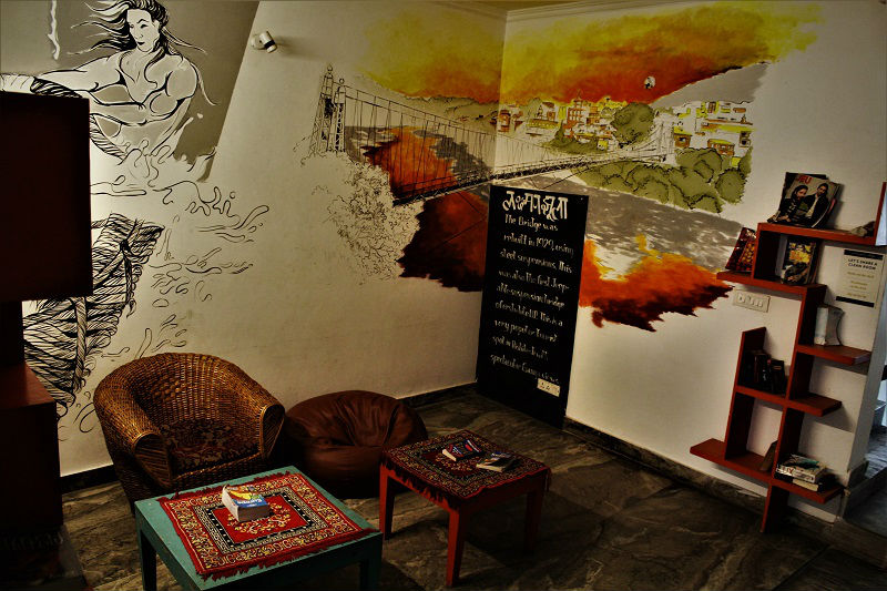Zostel reading room Rishikesh Uttarakhand