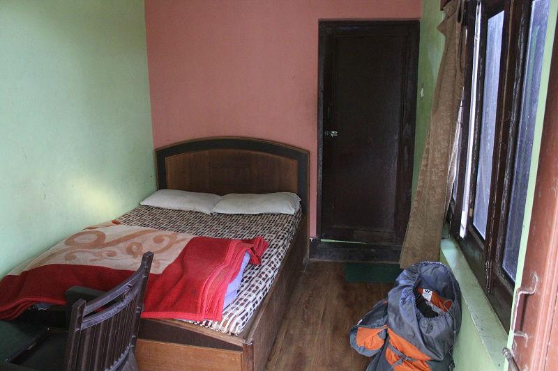 hotel deepraj room at Kausani Uttarakhand