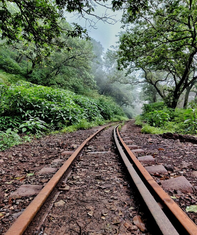 the railway tracks Matheran